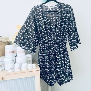 🌸🌸 Kimono style Romper with bell sleeves 🌸🌸